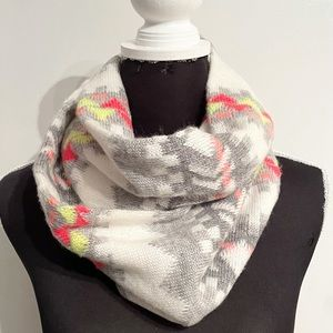 American Eagle Outfitters Geometric Infinity Scarf